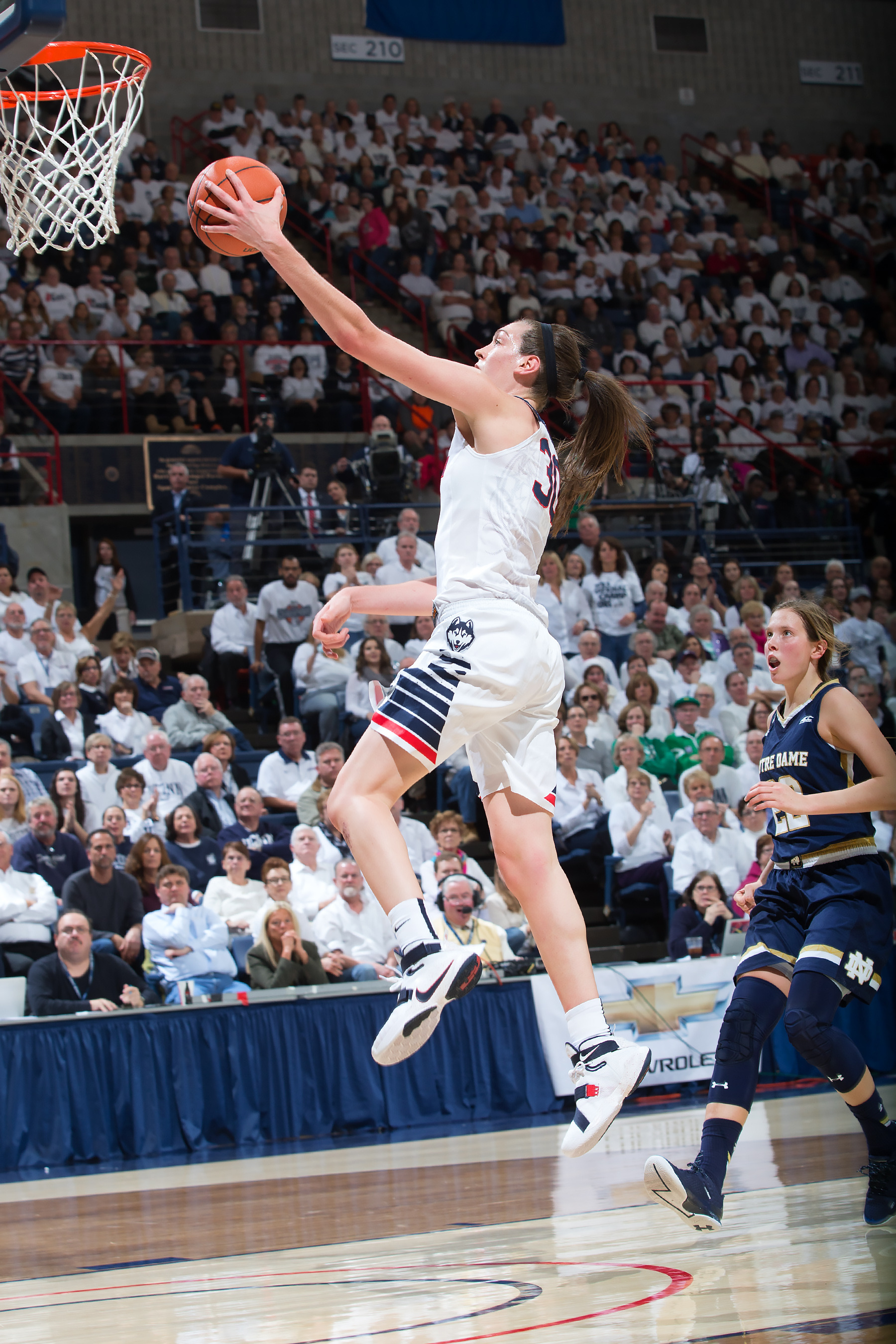 f8ac2724a24 Breanna Stewart, the two-time winner of the Naismith Trophy, is back on