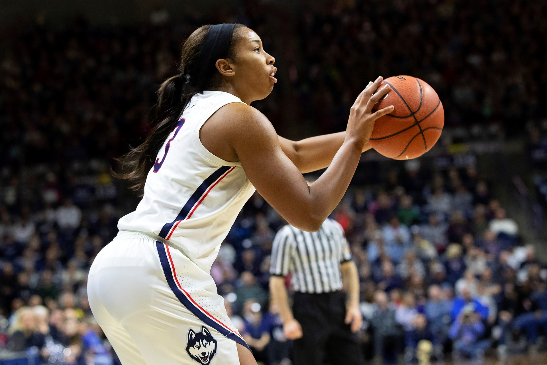 5aa27178477 No. 5 UConn to Host Temple in Pink Game Saturday - University of ...