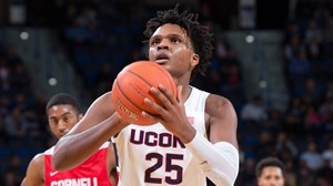 2d6b0a1bddf Allen and Lobo to Have Numbers Retired - University of Connecticut ...