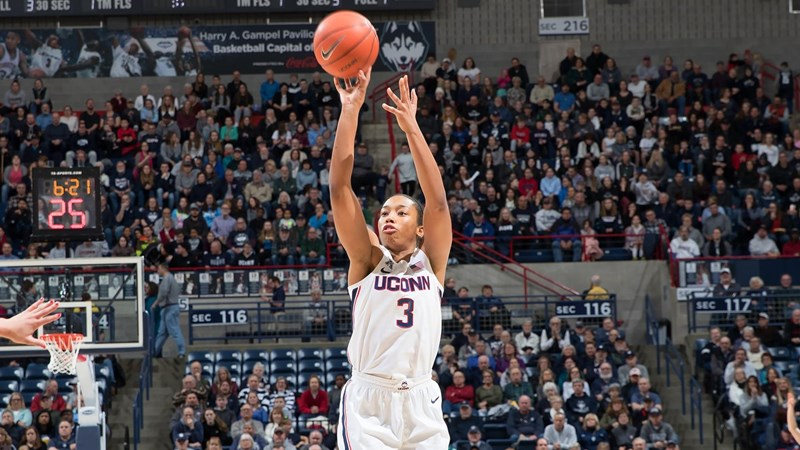 Walker, Nelson-Ododa Lead No. 5 UConn Over USF 67-47 - University of Connecticut Athletics